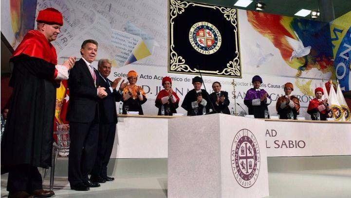 Juan Manuel Santos, doctor honoris causa por la UAX