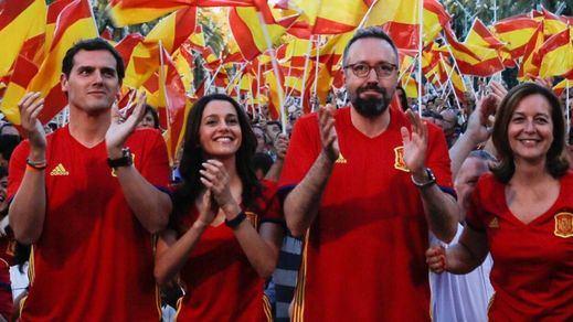 Ciudadanos quiere 'centralizar' su imagen en el próximo congreso: bilingüismo en Cataluña, reformismo en España...
