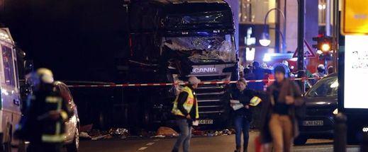 ¿Más terrorismo?: al menos 9 muertos y decenas de heridos por atropello de un camión en un mercado navideño de Berlín