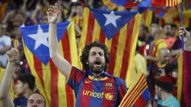 El Barça consigue que la UEFA medite permitir banderas independentistas en los partidos