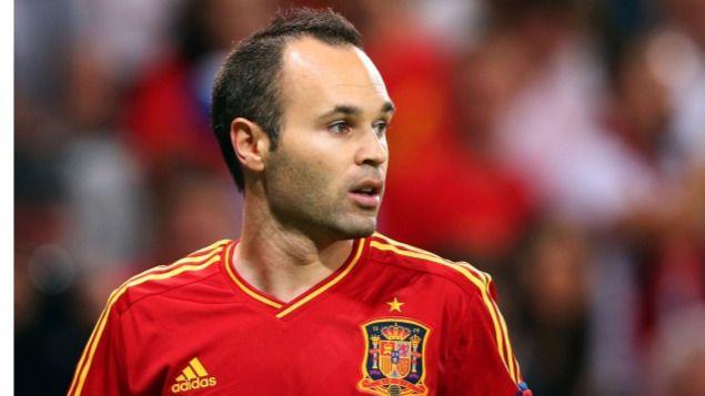 Lopetegui, como tantos aficionados, tiene claro que Iniesta merece el Balón de Oro