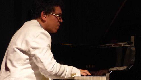 Mejor, imposible para empezar musicalmente el año: Pepe Rivero hace triplete en el Bogui