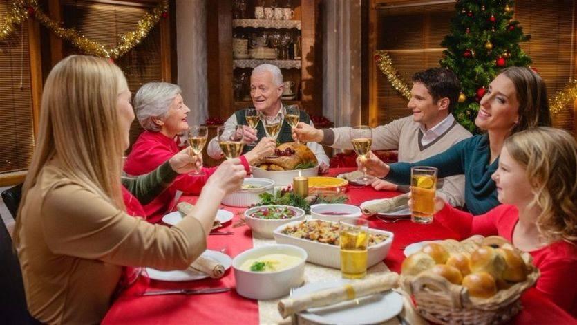 La psicóloga Elisa Herrero da las claves para superar los momentos incómodos en las comidas familiares