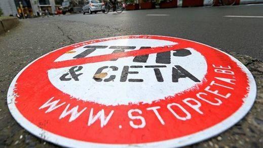 En Comú Podem lanza una campaña navideña para impulsar el rechazo social al CETA