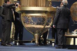 La única Administración de Argamasilla vende el 60.272 por terminal y da por primera vez un quinto premio