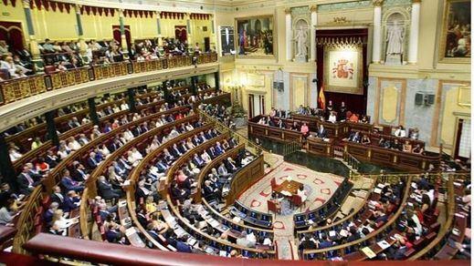 El Congreso da una 'tregua' a la organización interna de PP y Podemos