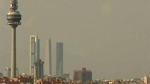 Madrid aleja sus peores humos y viernes y sábado permitirá el acceso a todos los vehículos
