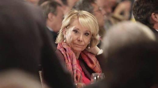 Aguirre, 'pillada' por la hemeroteca de nuestra TV, sostiene que no tiene nada de lo que desdecirse