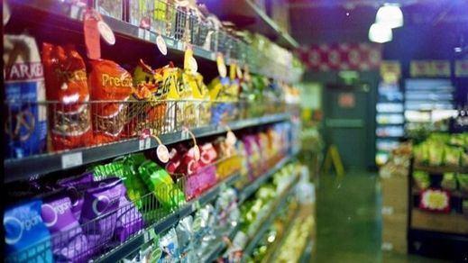 El supermercado que sólo vende productos 'caducados' y es totalmente legal