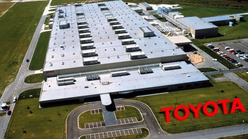 Otra amenaza más de Trump: ahora a Toyota para que no fabrique en México