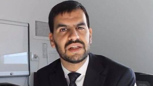 El cirujano plástico Oriol Vernetta explica las últimas técnicas de aumento de pecho
