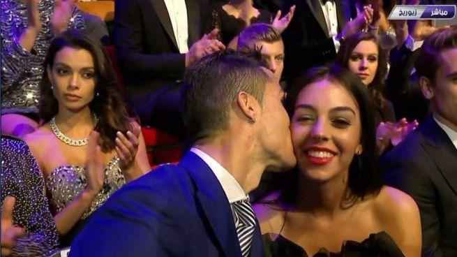 Cristiano Ronaldo presentó al mundo a su nueva novia, Georgina Rodríguez