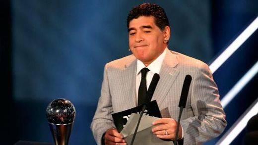 Maradona no se corta: critica la ausencia de Messi en la Gala FIFA que premió a Cristiano: