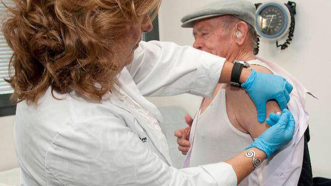 Se amplía hasta el día 31 el plazo para vacunarse de uno de los brotes de gripe más fuerte de los últimos años