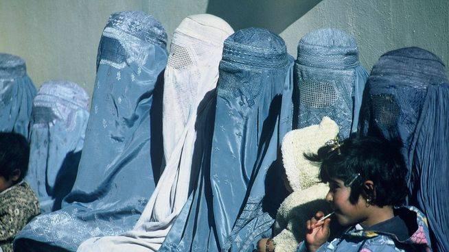 Marruecos prohíbe la fabricación y venta del burka por motivos de seguridad