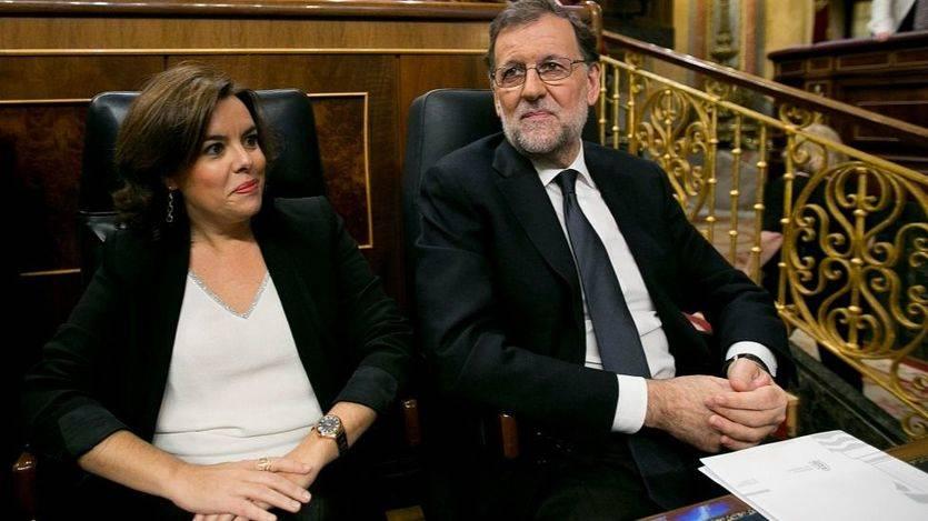 Rajoy y Saénz de Santamaría coinciden en presumir en que 'España va bien' en economía