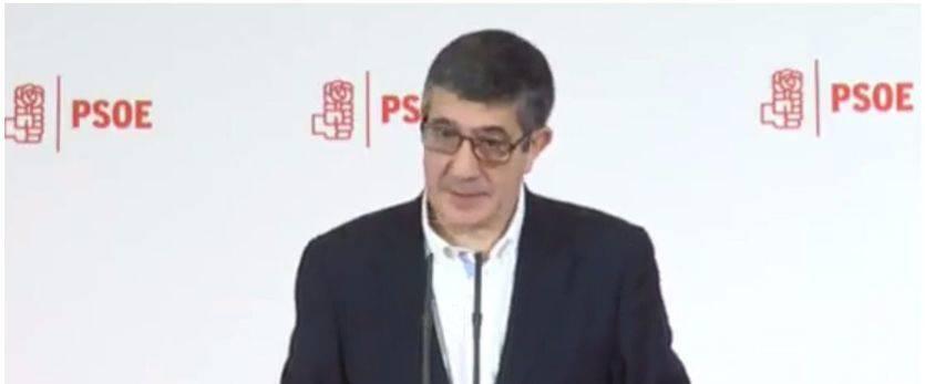 Patxi López se lanza a la pelea para renovar y dirigir a un PSOE 'radical, de izquierdas y autónomo' y no el analgésico de la derecha