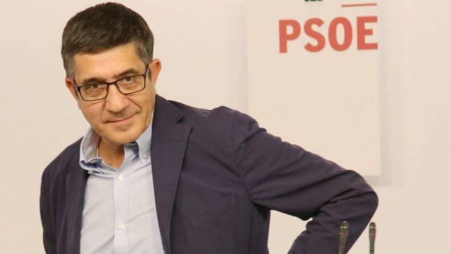 La candidatura de Patxi López abre las dudas: ¿es una tercera vía o trabaja para Susana Díaz o Pedro Sánchez?