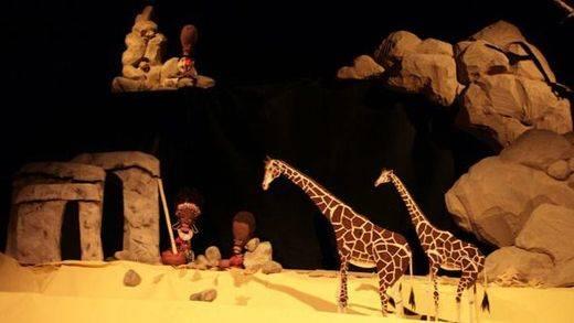 El mejor teatro de títeres sigue montado en la mítica 'Tartana' 40 años después