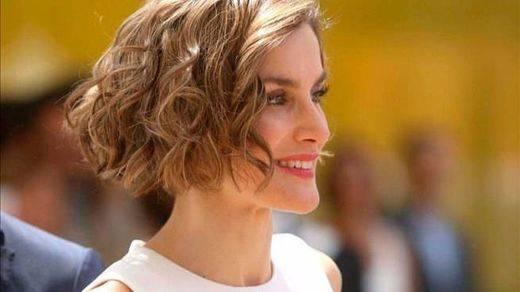 Revés judicial para la tía de la Reina por el escándalo de las fotos de su primera boda