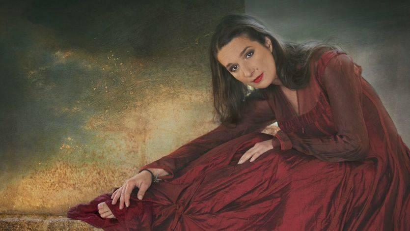 La polifacética intérprete Dulce Pontes nos muestra su 'Peregrinaje' a la mejor música en disco y en directo