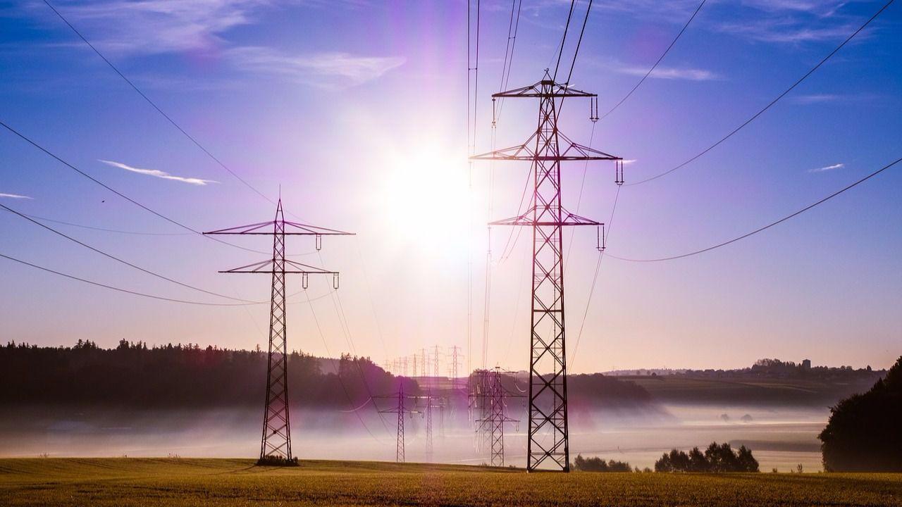 Una semana después, el precio de la luz sigue marcando nuevos máximos y podría llegar a 100 euros por megavatio/hora