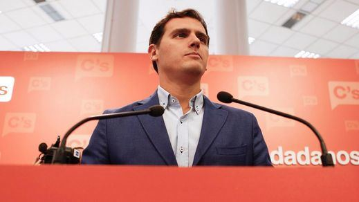 Rivera se enfrentará a dos militantes de base en las primarias de Ciudadanos