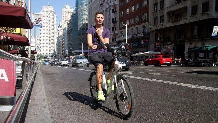 Ciclista por la Gran Vía