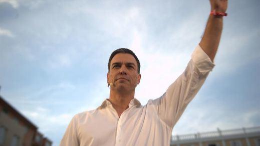 Sánchez se postula ante la militancia del PSOE en 'casa' de su rival andaluza: