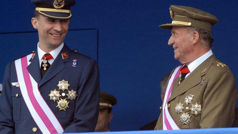¿Quién y qué hay detrás del aluvión de informaciones que tumban la imagen de Juan Carlos I?