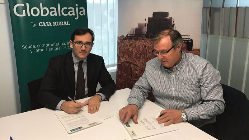 Globalcaja aumenta su compromiso y su apoyo con el sector de las máquinas recolectors