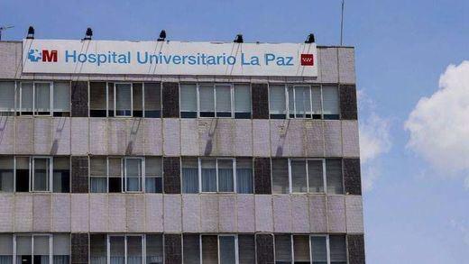 Terrible suceso en Madrid: un hombre se lanza por la ventana del hospital con su bebé y fallecen