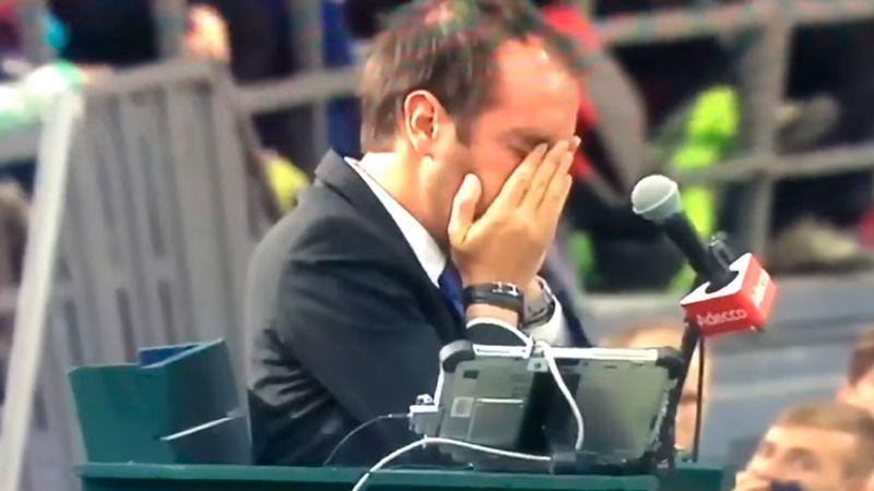 El pelotazo de Shapovalov a un juez en un ojo le cuesta el partido y la eliminación de Canadá (vídeo)