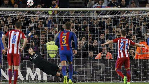 Copa: un gran Atlético asusta al Barça pero le falta pegada para noquearle (1-1)