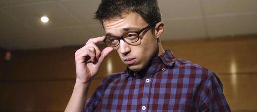 Errejón aclara que su pugna no es con Iglesias, sino contra sus allegados: