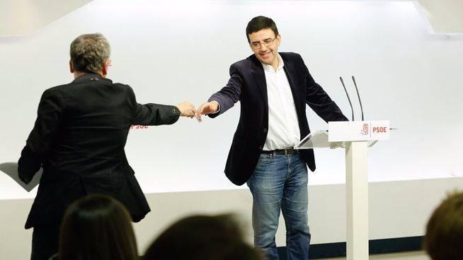La gestora del PSOE llama a Rajoy