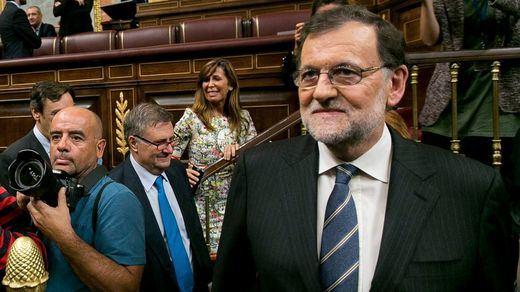 ¿Se juega Rajoy una moción de censura en las primarias del PSOE?