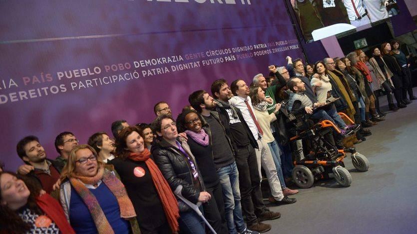 Iglesias rodeado del nuevo Consejo Ciudadano de Podemos