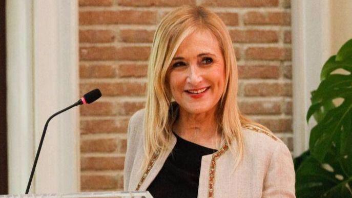 La presidenta de la Comunidad de Madrid, Cristina Cifuentes, durante su discuso de clausura Madrid, una sociedad del aprendizaje.