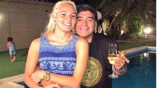 Maradona va de macarra en Madrid: discusión con su novia y amenazas a un periodista