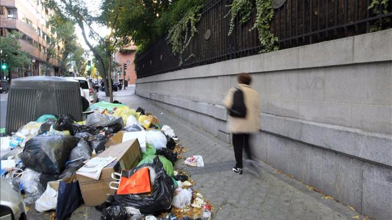 Madrid contratará a más de 1.000 personas para mejorar la limpieza de las calles