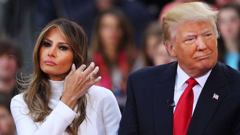 Así son Donald y Melania Trump según sus firmas