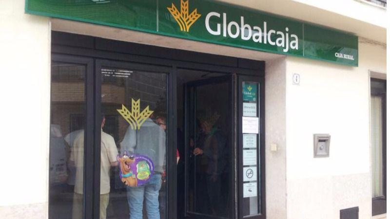 Globalcaja pionera: pone a disposición de los clientes el revolucionario 'reintegro DIMO' en cajero con teléfono móvil