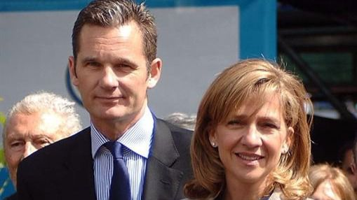 Rajoy apoya a la infanta Cristina y el fiscal hace el resto por Urdangarín