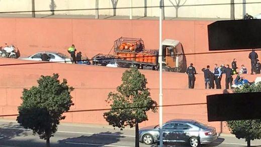 Un hombre que secuestró un camión de butano en Barcelona disparó todas las arlamas por terrorismo
