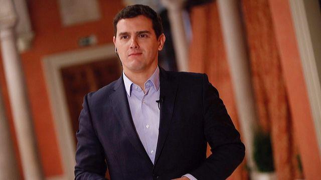 Rivera pide al PP que vaya buscando un sustituto al imputado Pedro Antonio Sánchez