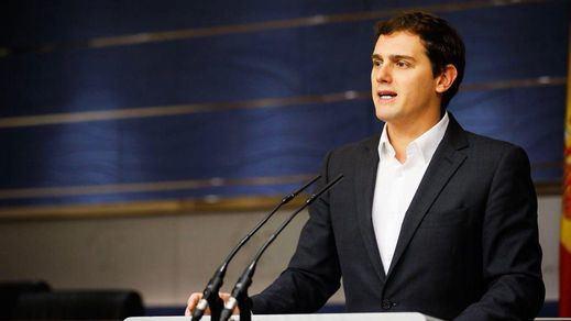 Rivera se escuda en la ambigüedad a la espera de que el PP cumpla su pacto en Murcia