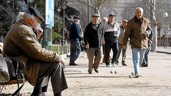 Recogida de firmas para equiparar la pensión contributiva mínima y de viudedad al SMI
