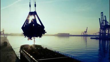 Huelga a la vista en los puertos tras la modificación unilateral del régimen de la estiba