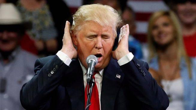 Trump toma represalias contra la prensa 'molesta' con un veto en la Casa Blanca